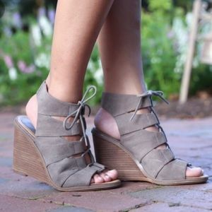 MELROSE & MARKET • Calista Wedge Lace Up Sandals